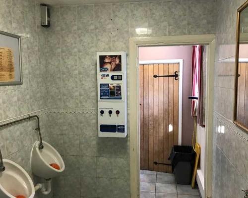 toilet-refurb4