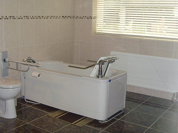 013-disabled-adaption-bathroom-adapted-for-wheelchair-user-4-a